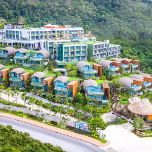 hotel icon Crest Resort & Pool Villas Hotel